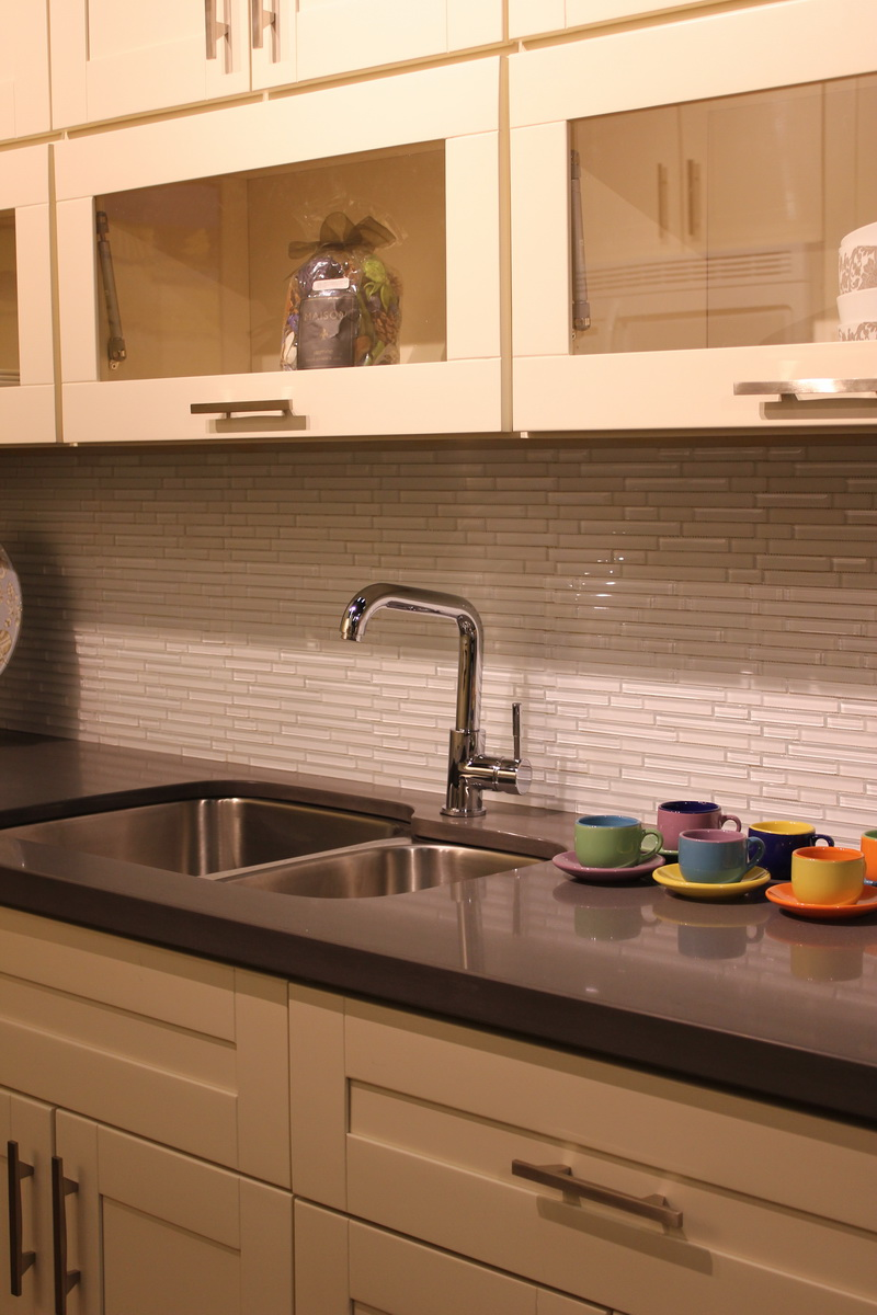 Cowry kitchen cabinets and countertops - Http Cowrycabinets Com Cowry Kitchen Cabinets Products 274 Milky White Sigproidca7f10aa43